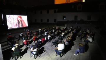Tunceli'de Yaz Akşamları Açık Hava Sinemasında Unutulmaz Türk Filmleri