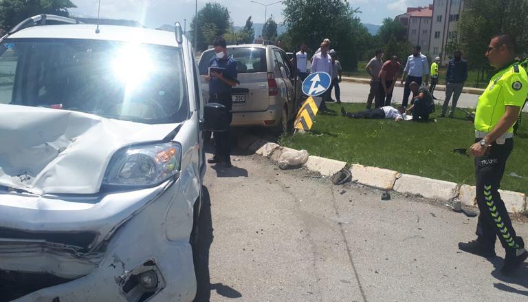 Kazada 2 sürücü yaralandı
