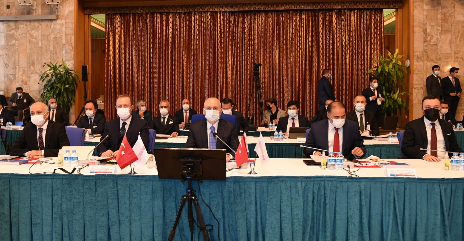 Ulaştırma ve Altyapı Bakanı Adil Karaismailoğlu, TBMM Plan ve Bütçe Komisyonu'nda sunum yaptı