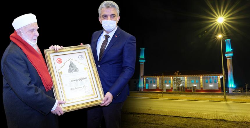 Erzincan'da Cami Yaptıran Hayırseverlere Diyanet İşleri Başkanlığı'ndan Takdirname