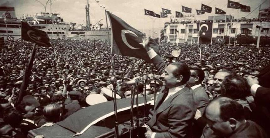 """27 MAYIS DEMOKRASİYE VURULAN DARBEDİR"""