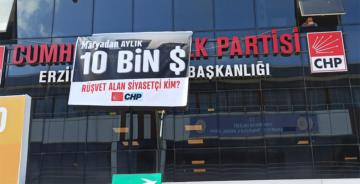 CHP ERZİNCAN BİNASINA PANKART ASTI